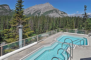 The rooftop pool at the Inns of Banff.
