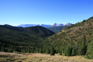 Looking across to the Continental Divide just before reaching Picklejar Lakes.