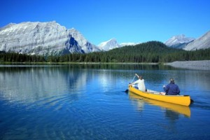 Paddling on Upper Kananaskis Lake